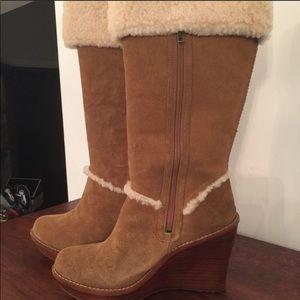 UGG Shearling and Suede Wedge Heel Boot Tan Sz 5